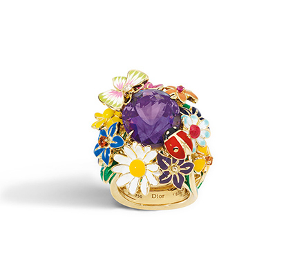 A colourful garden as a ring for Spring!